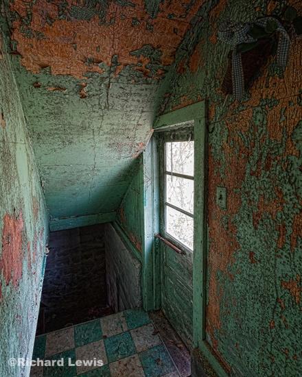 Bungalow Basement by Richard Lewis