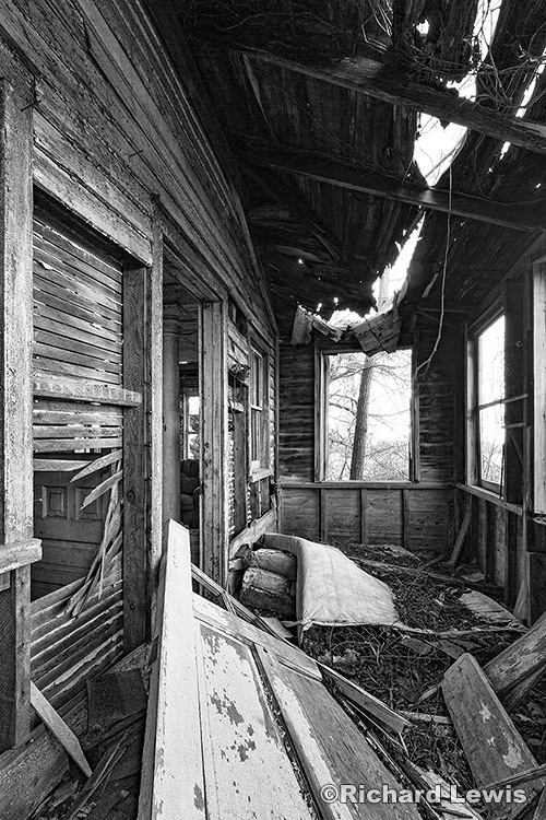 Old Front Porch by Richard Lewis