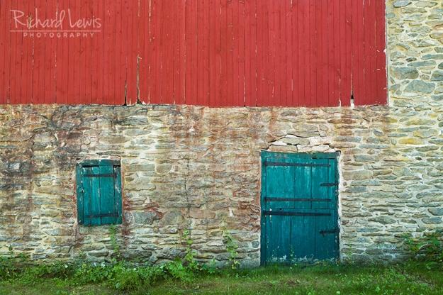 Old Barn Near Kutztown Pennsylvania by Richard Lewis